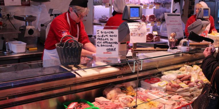 Tavolo Da Lavoro Macelleria : Macelleria bottega della carne limberti vercelli via cavalcanti
